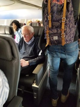 SOCIALIST ON FIST CLASS FLIGHT